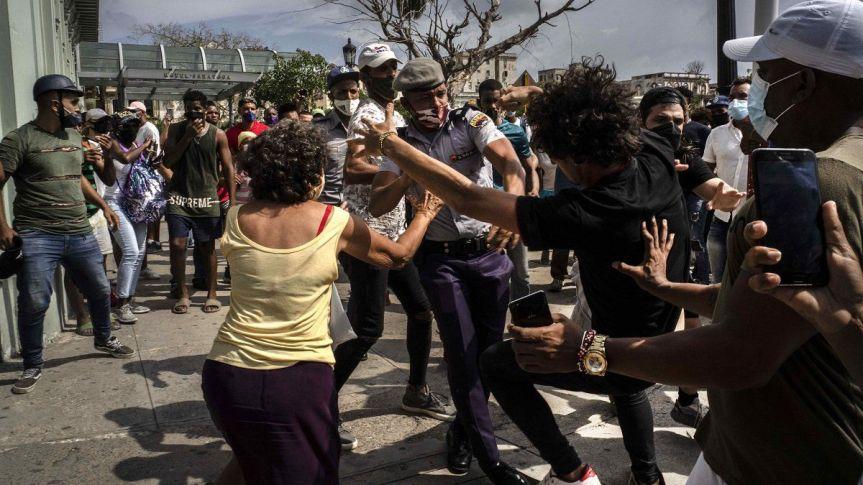 CUBA: Continúan las protestan contra Gobierno en distintasciudades