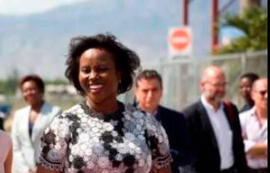 Muere primera dama de Haití, Martine Moise, tras ataque almandatario