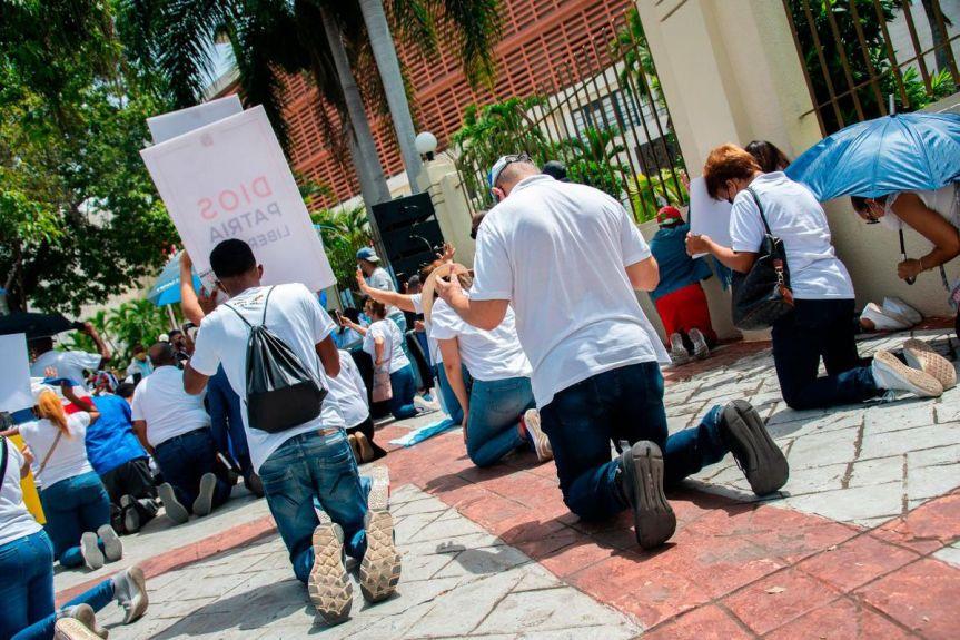 Iglesias exigen al Senado no dejar perimir el CódigoPenal