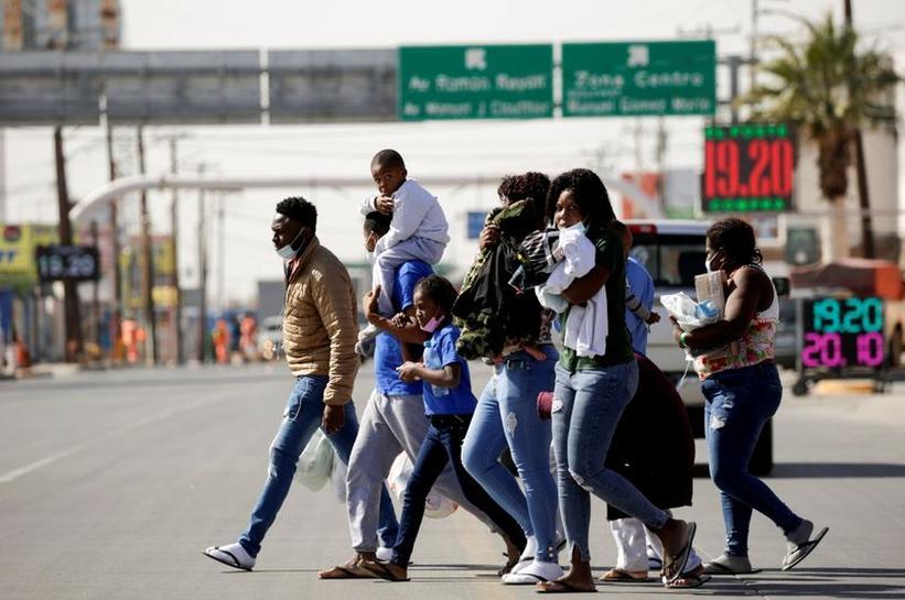 Estados Unidos expulsa más de dos mil haitianos en 17vuelos