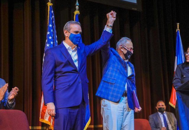 Senador de New York califica a Luis Abinader como un presidentemaravilloso