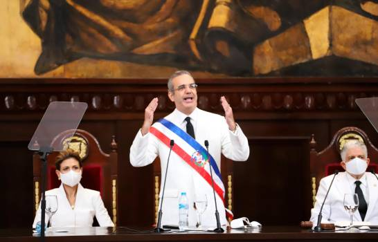 Presidente Abinader afina puntos de reforma fiscal y seguridadsocial