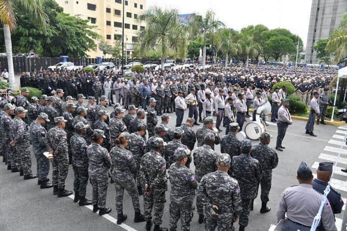 Olivares plantea se incluya derecho al voto de militares y policías en reformaConstitucional