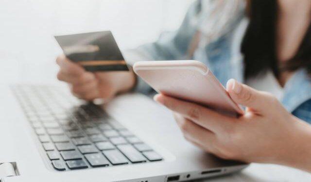 Acusan mujer en SD de estafa digital por más RD$100millones