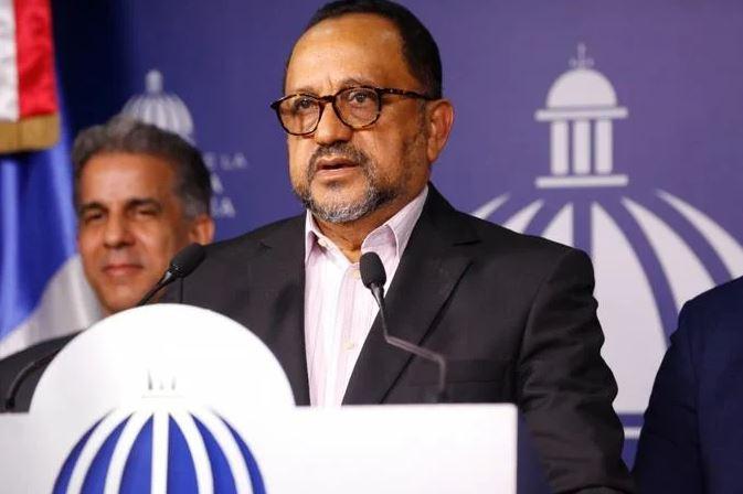 Gobierno contrata 35 abogados para recuperar bienes delEstado
