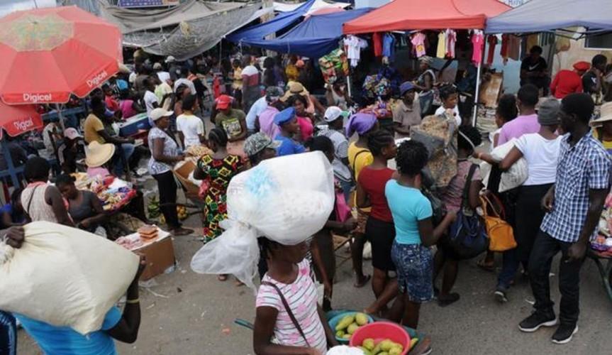 Haitianos boicotean y forzanel cierre del mercadobinaciona